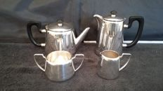 Elkington epns hard soldered tea/coffee pot set silver plated made in england.