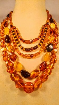 Set of 3 Vintage Baltic Amber necklaces, length 42, 54, 59 cm,  77 grams