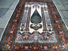 Hand-knotted, silk rug, Ghom pattern - 156 x 97 cm