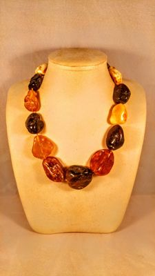 Huge 100% Genuine Vintage mix colours Baltic Amber necklace, length ca. 45 cm, 109 grams