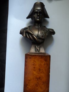 "1 bust on wooden base ""Napoleon Bonaparte"", approx. 24 cm high, from 20th century"