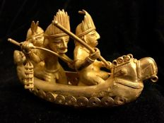 A fabulous ,Tumbaga Gold , artefact, Colombian , Tairona Culture, 86 x 71 x 151 mm , 204.90 grams, an Indian native canoe with three rowers