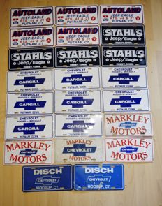 23 Advertising License Plates of US car distributors