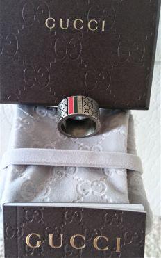 Gucci - 925 silver ring - new in box with pouch and carecard