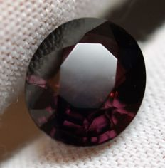 Spinel - 6.22 ct .