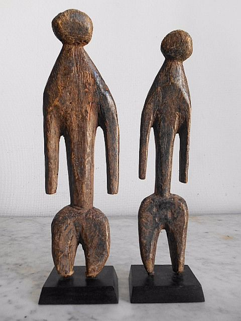 Lot with a couple of 2 African voodoo fetish figurines - 28 cm + 30 cm - MOBA - Northern Togo