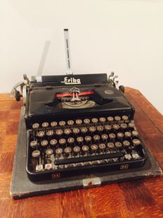 Erika typewriter, type M