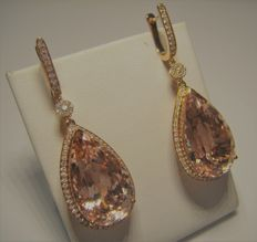 18 kt gold Earings with Diamonds and Morganite pair 32,92 ct - Lenght 50mm