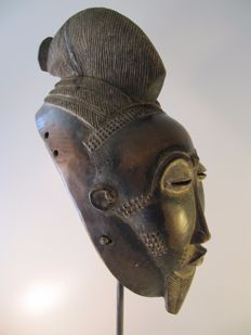 Facial mask - BAULE - Ivory Coast.