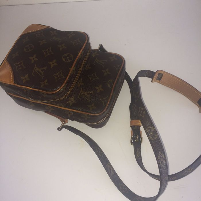 Louis Vuitton – Amazon – Messenger   cross-body bag - Catawiki 16fab11211009