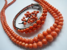 Antique genuine coral set, 19th/20th century, good vintage condition. Total weight almost 88 grams