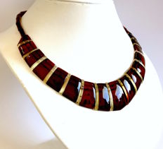 Collar necklace: Baltic Amber slices (not pressed), length 46 cm- width 29 mm
