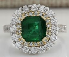 2.88 Carat Natural Emerald 14K Solid Two Tone Gold Diamond Ring Size: 7 *** Free shipping *** No Reserve *** Free Resizing ***