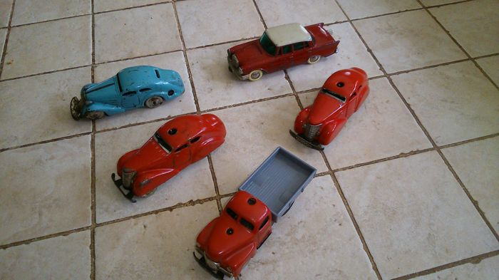 Schuco, (Western) Germany - L. 11 cm - Lot of 5 tinl/metal Schuco cars, 30/60s
