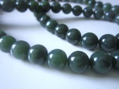 Jade pearl necklace, heavy, spinach green colours!