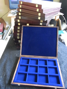 Accessories - 15 coin boxes - 12 compartments for Crownsize-coins - wood with felt