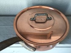 Professional copper pan with lid