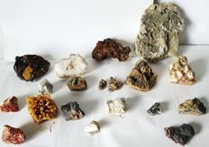 Collection of Moroccan minerals - 30 to 180 mm - 4.6 kg (18)