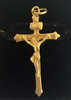 22K, gold cross with corpus, solid, measurement:  38 x 20 mm.