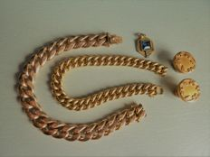 Lot of 4 pieces of jewellery: two bracelets, one pendant, a pair of cufflinks