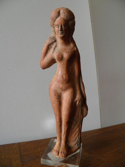 Large statuette of Venus made of red terracotta  height 180 mm