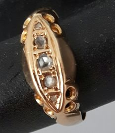 Gold 18 kt ring with 5 rose cut diamonds