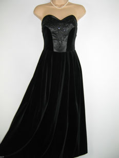 Original Laura Ashley evening gown from the 1950s, velvet