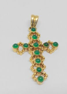 Yellow gold cross with chrysopase
