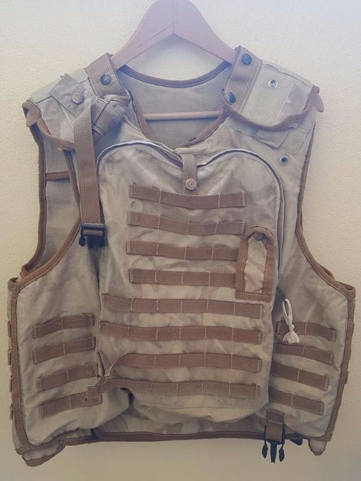 Great and rare British Cover, Body Armor OSPREY, DPM DESERT MK II , used and actually worn by a soldier in Afghanistan and Iraq.