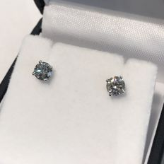 Diamond earrings / 18 kt white gold / 0.88 ct in total