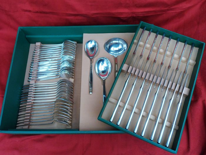 Stunning cutlery for 8 people, 53 pieces silver-plated 90 cutlery of BSF, model Madame