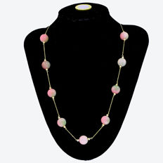 18k/750 yellow gold necklace with jade - Length, 58 cm.