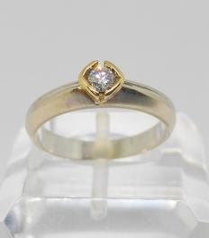 18 kt bicolour gold ring with central diamond of 0.20 ct