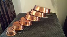 Set of 6 quality tinned copper pans, hammered, solid brass handle