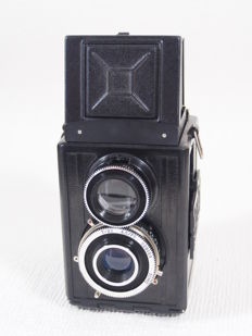 Russian twin-lens roll film camera for 120 spool