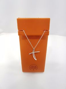 Alfieri & St John - Alfieri & St John 18ct White Gold Diamond Small Cross - Length of Necklace 42 cm, Length of Pendant 2 cm
