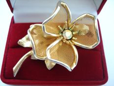 Gold plated wire mesh statement floral brooch with AB rhinestone, vintage 1950's