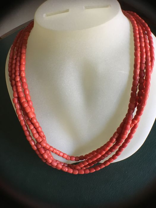 Necklace in 18 kt gold and coral - 50 cm