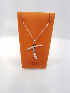 Alfieri & St John - Alfieri & St John 18ct White Gold Diamond Medium Cross - Length of Necklace 48cm, Length of Pendant 3.5cm