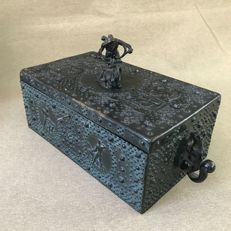 Bronze chest from the early 1900 - signed Friedrich Gornik, Austria - 1877-1943