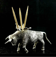 Sterling silver toothpick holder in the shape of a bull, 20th century