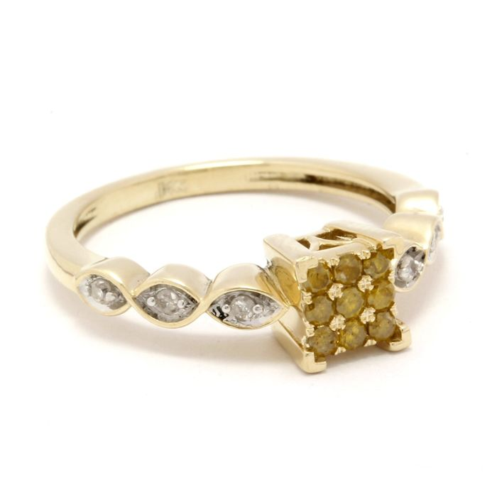 14 kt Yellow Gold 0.24 ct Diamond Ring   Size: 7