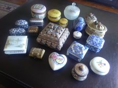 Lot of 20 boxes with vintage ceramic/porcelain