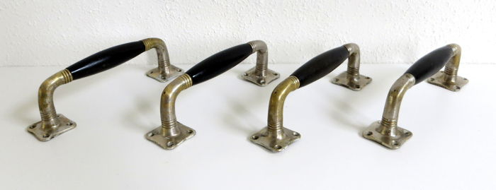 4 Art Deco handles for a suite or conservatory doors. - Catawiki
