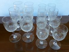 Lot of 12 cup glasses in cut crystal, model Nancy, Baccarat France - 1900 ca
