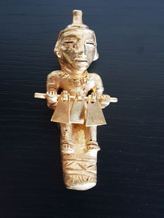 Amazing and original Pre-Columbian Figure Tumbaga Gold Artifact - 100 X 45 X 30 mms , 53.90 grs