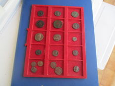 Roman Empire - 18 coins, distinct models, Antoninianos, ases, sesterces, nummus and follis.