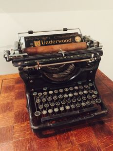 American underwood typewriter type 11
