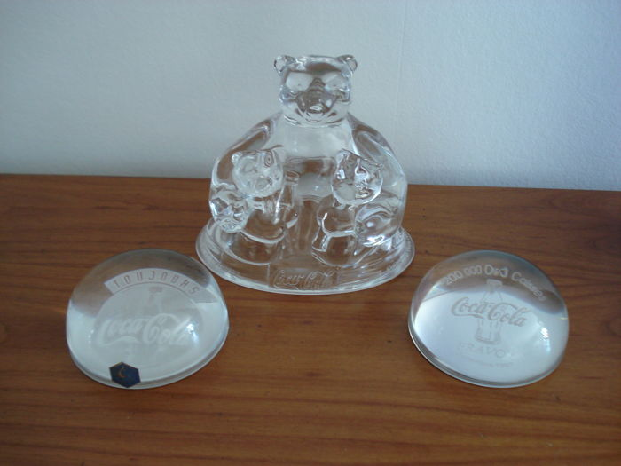 Promotional Coca Cola crystal bear 1997 and two crystal paper weights