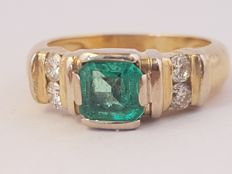 1,50 Carat Natural Emerald And Diamond Ring In 18K Yellow Gold
